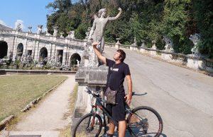 Reggia di Caserta in bicicletta